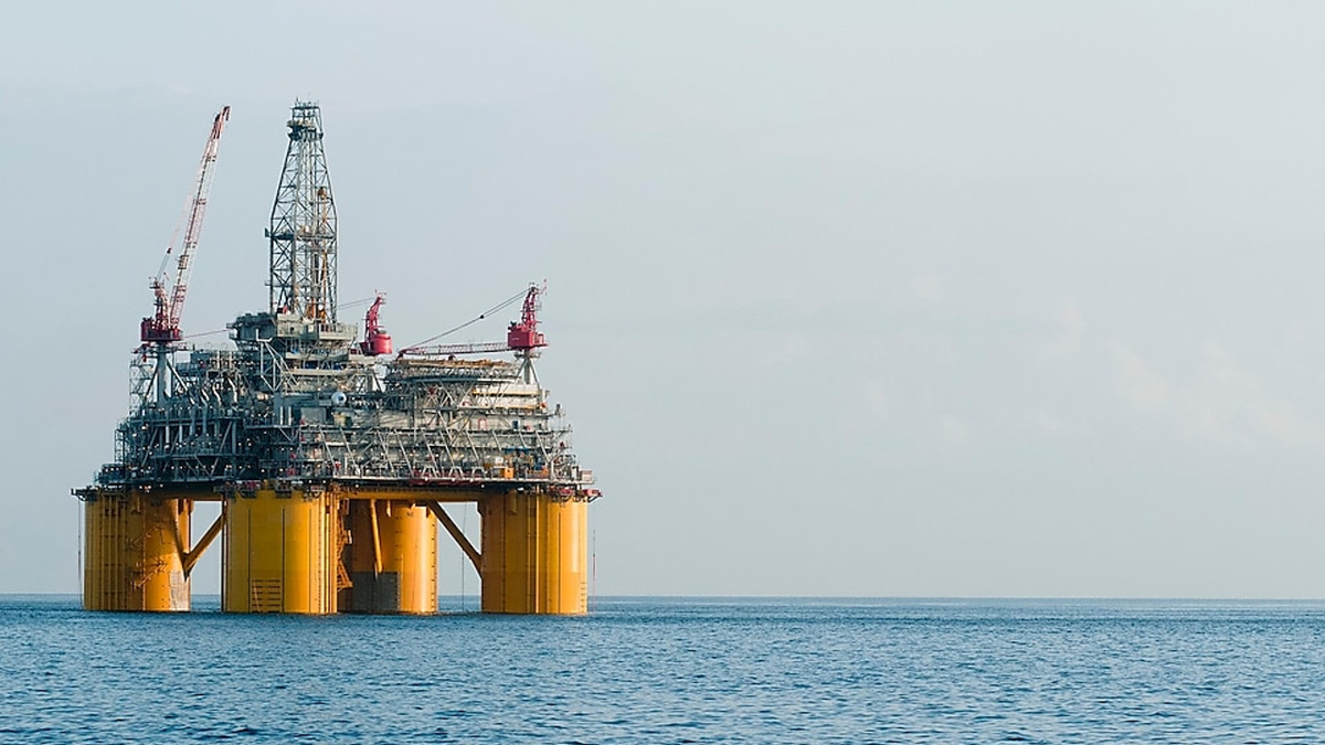 Rigs report: 40% of Shell US Gulf of Mexico production offline